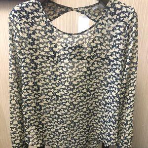 NWT Lush blue floral long sleeve sz L